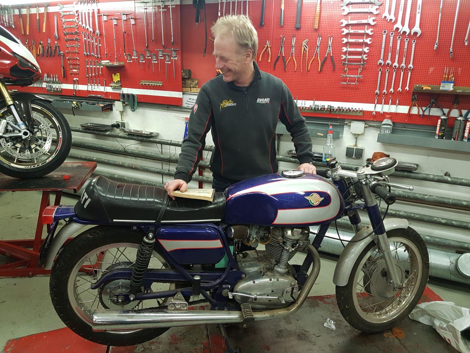 Ducati 350 mark 3