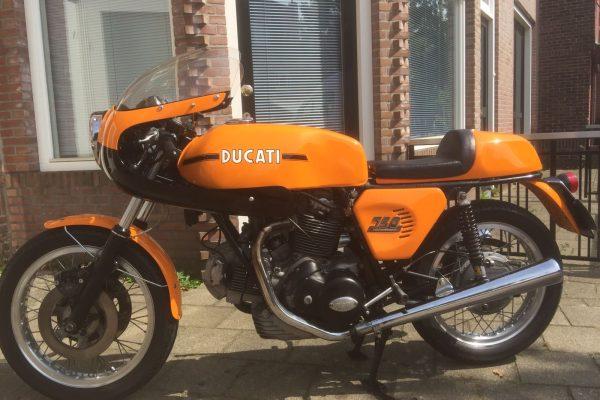 Ducati Yellow Sport